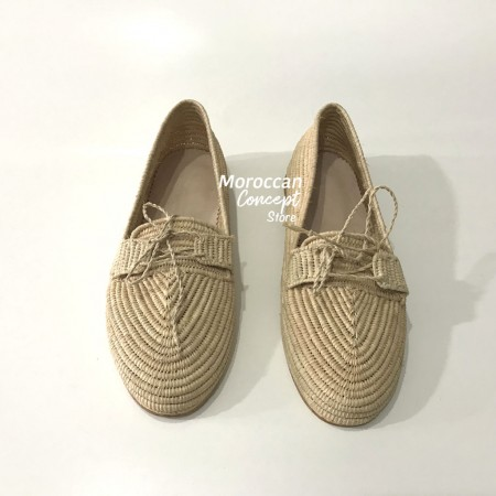 natural raphia and leater shoes